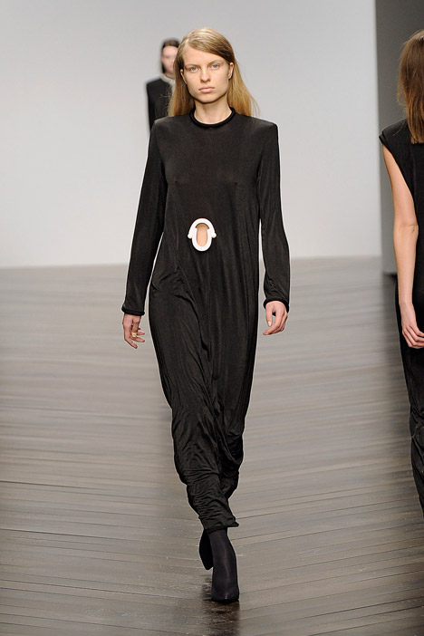 dezeen_Autumn-Winter-2013-collection-by-Eilish-Macintosh_7.jpg