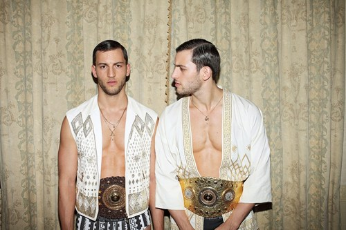 TOH-HOMOTOGRAPHY-TWINS-04.jpg