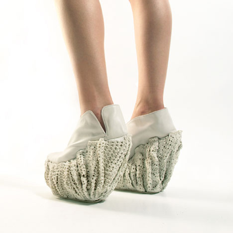 dezeen_Porcelain-Shoes-by-Laura-Papp_1.jpg