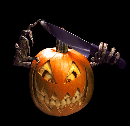 A-horror-charcter-carved--005.jpg