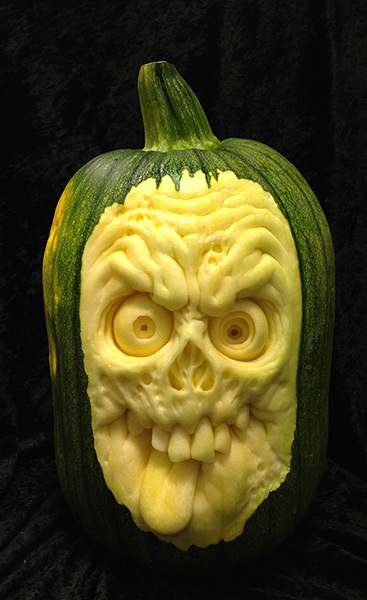 A-horror-face-carved-out--003.jpg