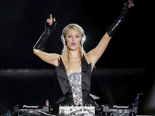 Paris-Hilton-DJ-Pop-Festival-Sao-Paulo-Last-Night-new-song-2012-600x450.jpg