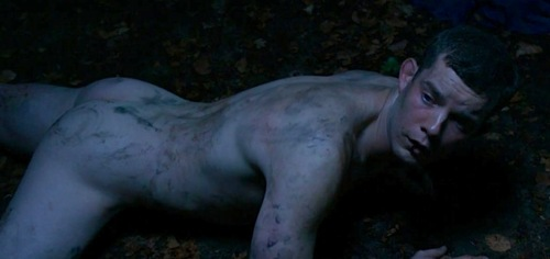 russell-tovey-shirtless-5.jpg