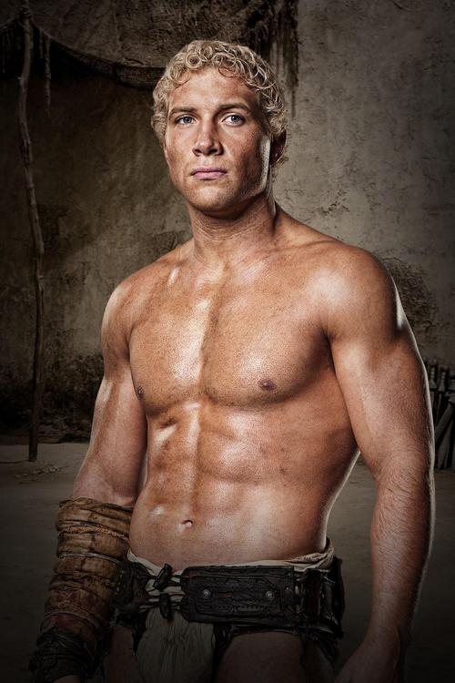 spartacus-jai-courtney-bmp-1458183098.jpg