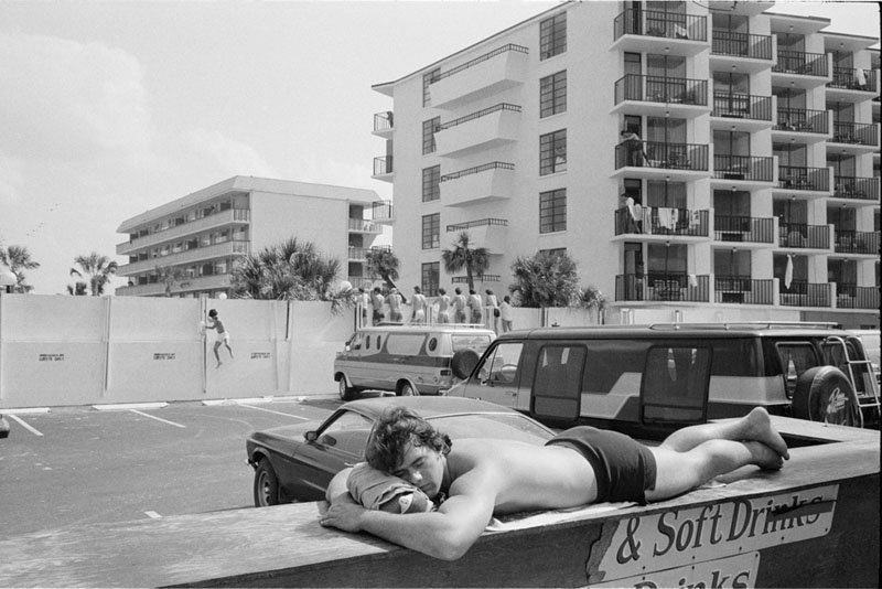 OMG, high-waisted and headed for Hell: Keith McManus' photos of ...