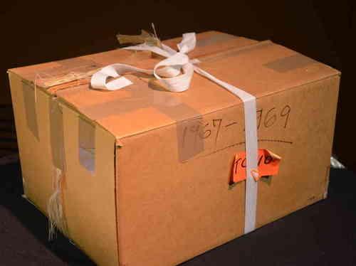 warhol time capsule-2315c7ddd717ab259e5a5f9476376243a1953041-s6-c30.jpg