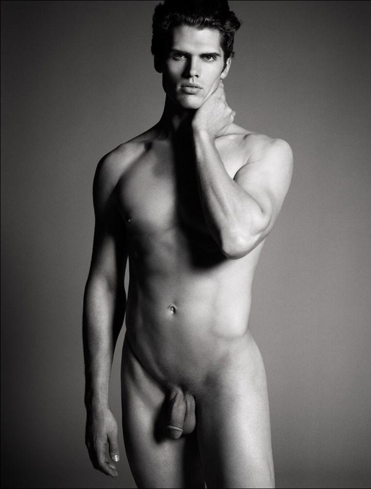 модели фото голых мужчин тобой подумаем