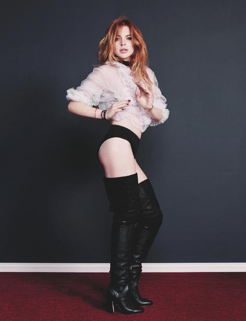 Lindsay-Lohan-Wonderland-Magazine-7.png
