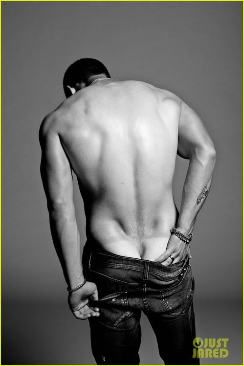 nick-jonas-poses-shirtless-in-his-underwear-for-flaunt-magazine-03.jpg