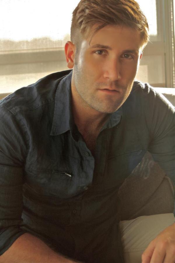http://www.omgblog.com/media/2014/11/20120930102232-JaredAllman.jpeg