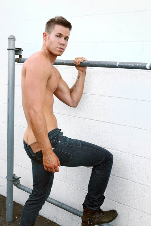 rs_634x951-141125151747-634-2ashley-parker-angel.jpg