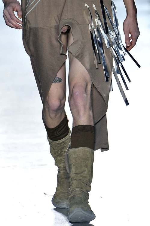 rick-owens-put-flaccid-penises-on-the-runway-a-paris-fashion-week-456-body-image-1421962250.jpeg
