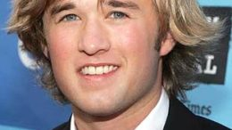 haley-joel-osment-18.jpg
