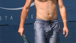 andy-roddick-shirtless-bent.jpg