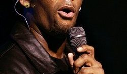 r-kelly-sings-thumb.jpg