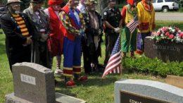 clown-funeral8-thumb.jpg