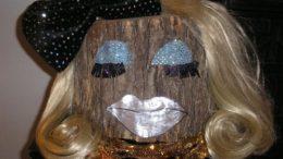 log-lady-thumb-500x374-3431.jpg