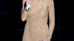 Loser-Singing-Actor-Gwyneth-Paltrow_gallery_primary.jpg