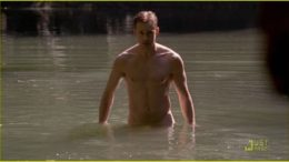 alexander-skarsgard-joe-manganiello-true-blood-shirtless-01-thumb-500x279-5223.jpg