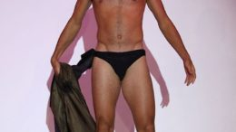 novak-djokovic-shirtless-speedo-thumb-500x750-5287.jpg