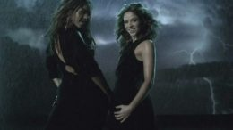 beyonce-shakira-beautiful-liar-thumb-500x380-6851.jpg