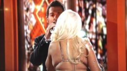 christina-aguilera-back-fat-the-voice-finale-thumb-500x375-7131.jpg