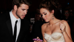 liam-hemsworth-miley-cyrus2-thumb-500x395-7313.jpg