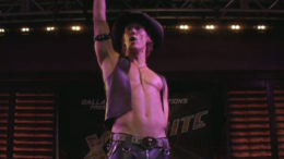 magic-mike-matthew-mcconaughey-shirtless-thumb-500x367-7441.jpg