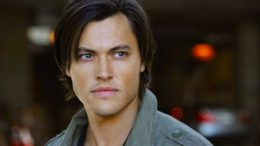 blair-redford-lying-game-vampire-bait-thumb-500x333-20149.jpg
