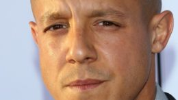 theo-rossi-premiere-sons-of-anarchy-season-six-01-thumb-500x721-20850.jpg