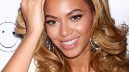 Beyonce-Knowles-890x395_c-thumb-500x221-22706.jpg