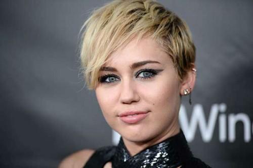 Miley-Cyrus-2015-1