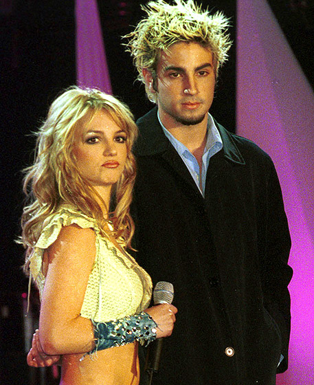 1371758235_britney-spears-wade-robson