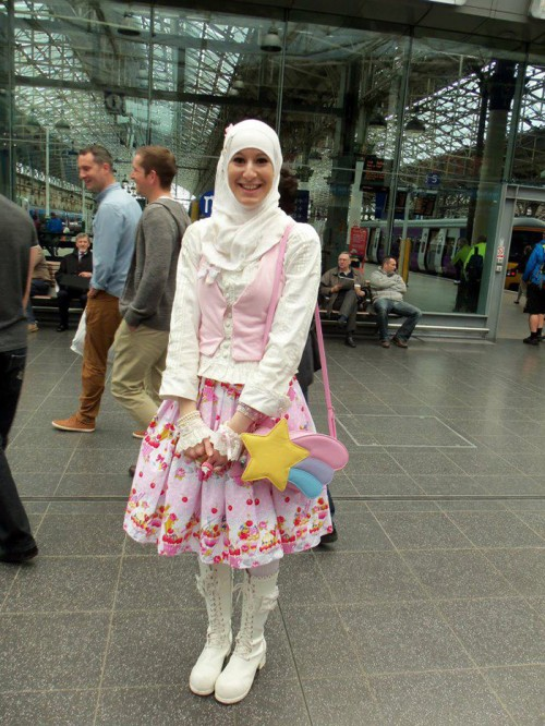 muslim-lolita-hijab-japanese-fashion-anime-24