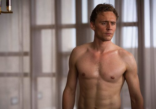 !! OMG, he's naked: Tom Hiddleston !!