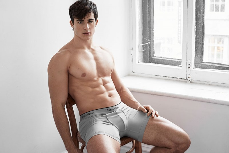 ... Math teacher-turned-supermodel Pietro Boselli finally shows his bum: www.omgblog.com/tag/pietro-boselli