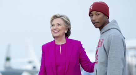 hillary-clinton-wins-support-from-pharrell-williams-136411048219910401-161104104030