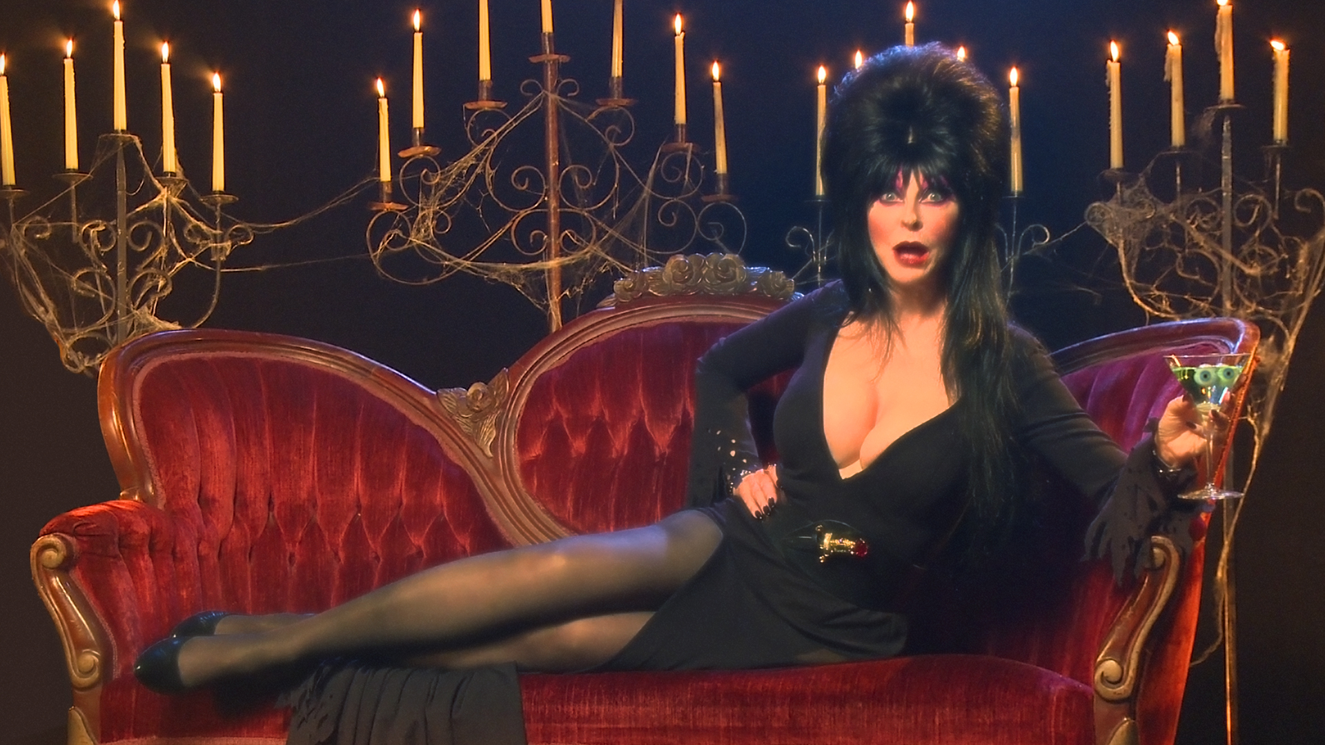 elvira-mistress-of-the-dark-pictures