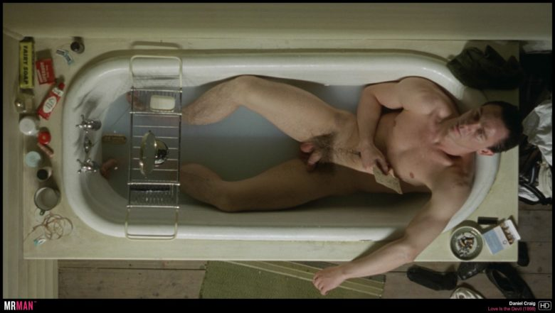 Daniel Craig nude in Love is the Devil