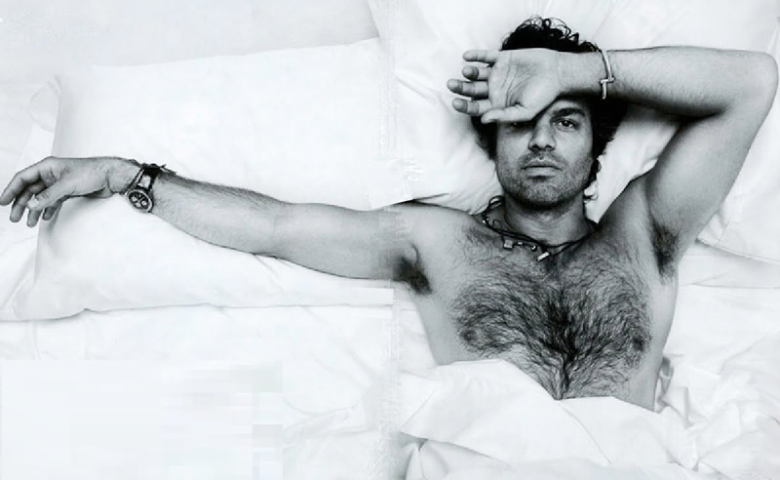 Mark Ruffalo shirtless in bed