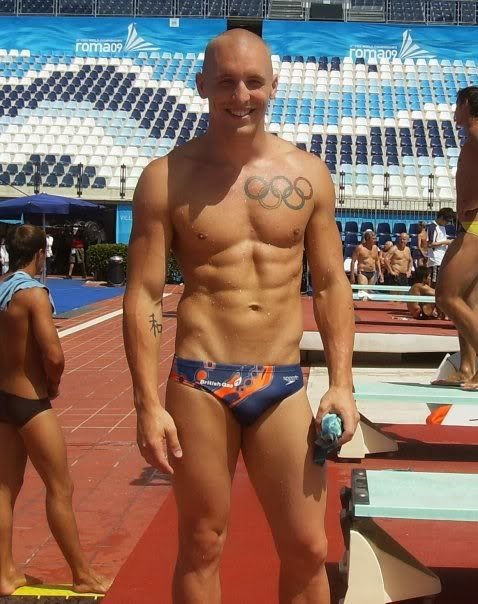 OMG, hes naked: Olympic diver Nicholas Robinson-Baker