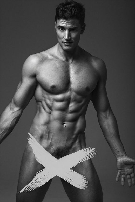 OMG, he's naked: Model Raymon Fist + more...