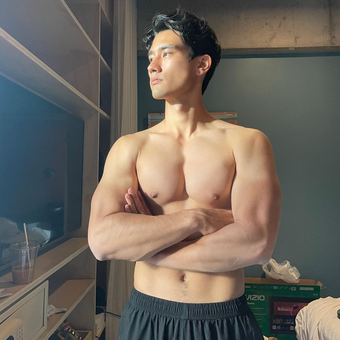 OMG, model Alex Landi is the hunk in Doja and SZA's new video for ...